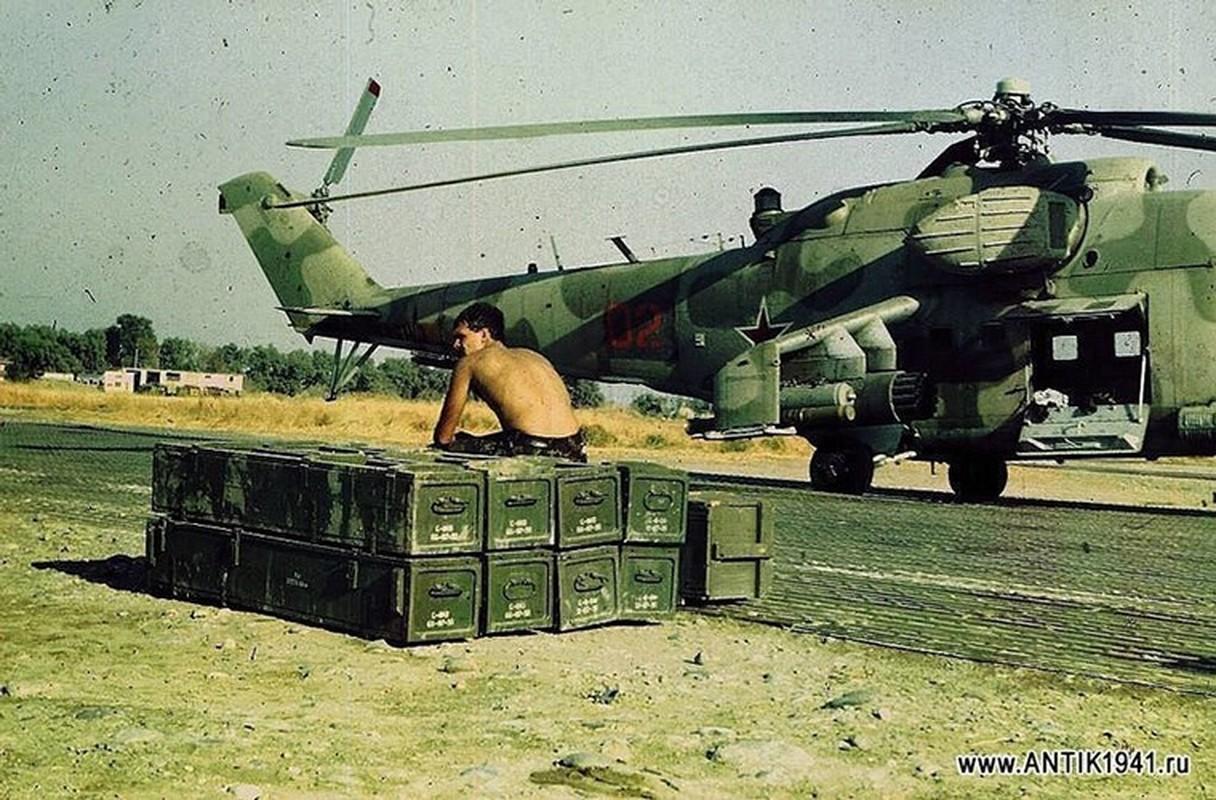 Hinh anh cuc doc ve binh si, vu khi Hong quan Lien Xo o Afghanistan-Hinh-2