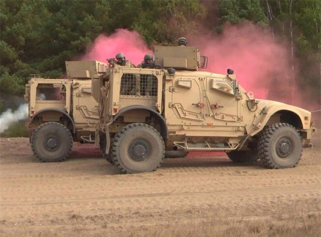 Dam vao thiet giap Nga, xe boc thep M-ATV My lat ngua o Syria-Hinh-14