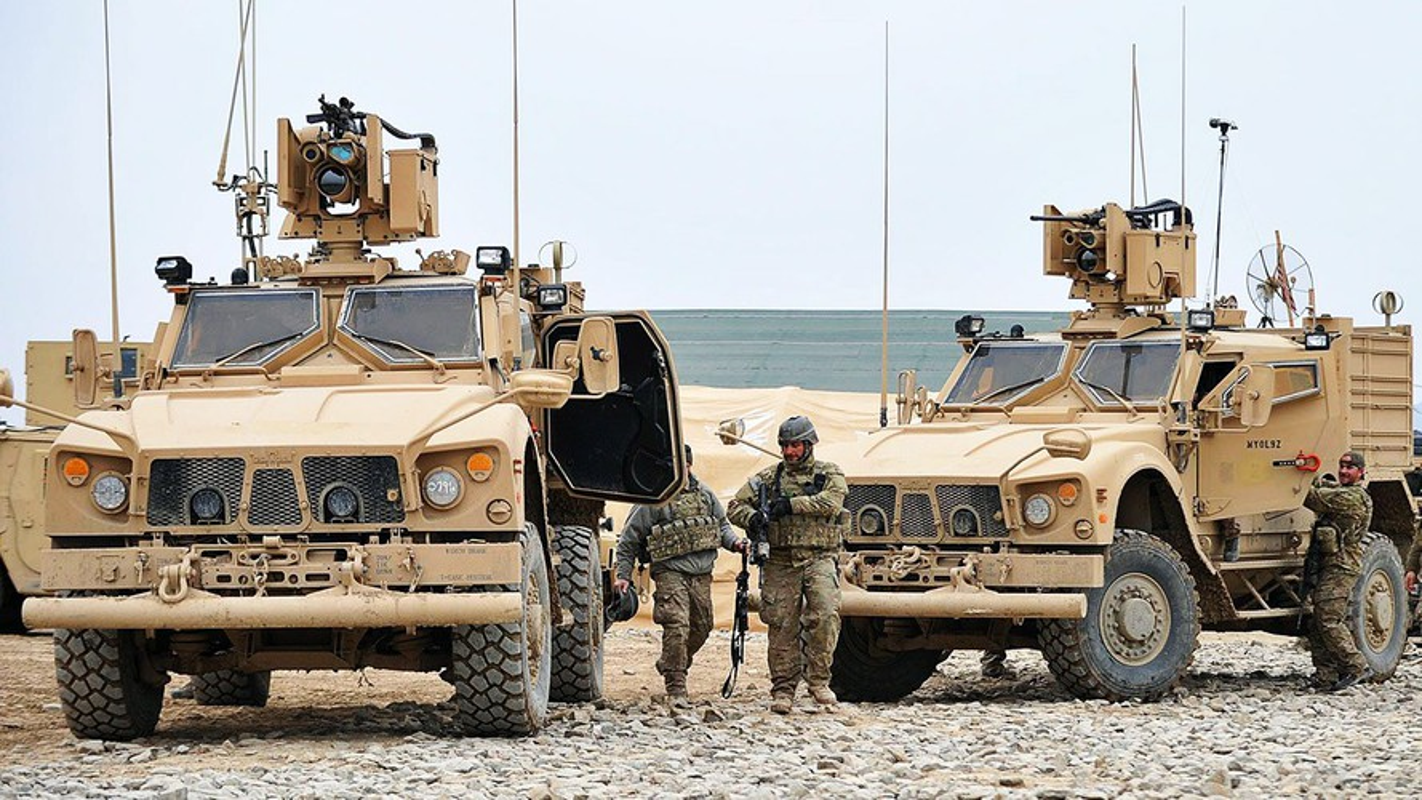 Dam vao thiet giap Nga, xe boc thep M-ATV My lat ngua o Syria-Hinh-18
