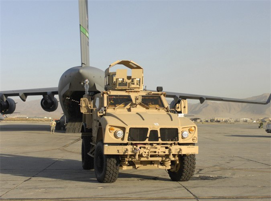 Dam vao thiet giap Nga, xe boc thep M-ATV My lat ngua o Syria-Hinh-6