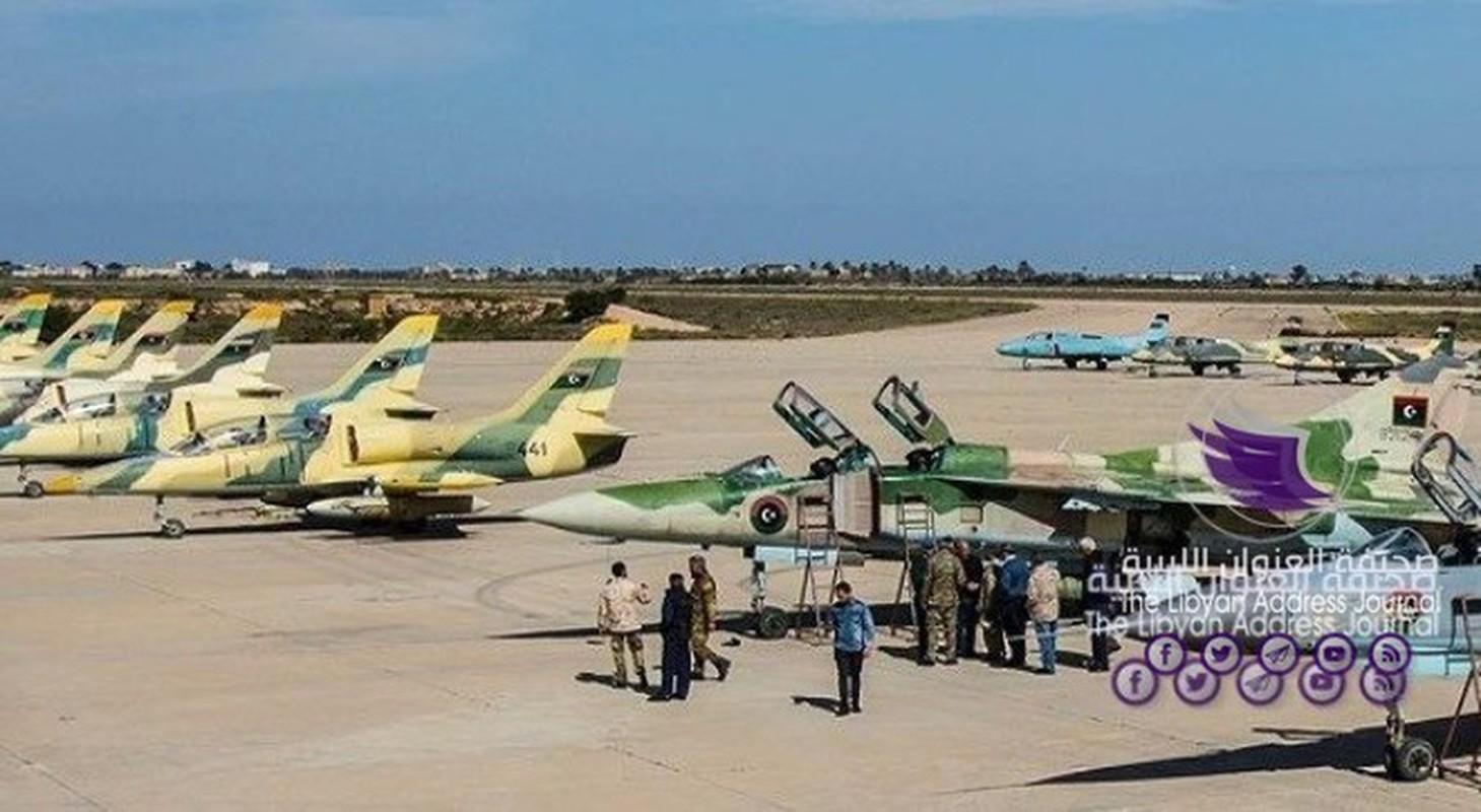 Quan doi Quoc gia Libya nang cap khong quan san sang danh lon o Sirte-Hinh-3