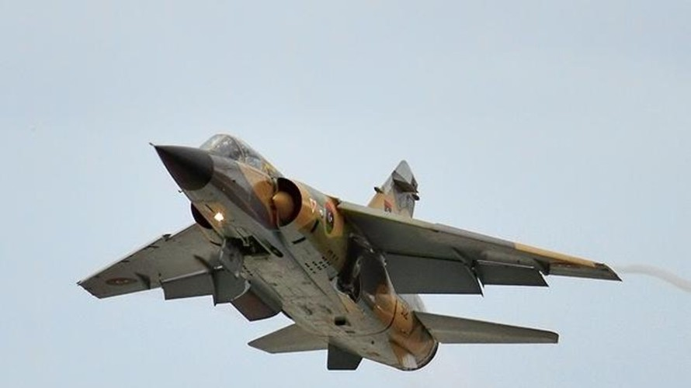 Quan doi Quoc gia Libya nang cap khong quan san sang danh lon o Sirte-Hinh-7