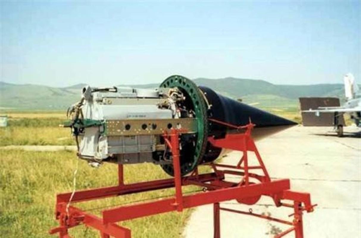 Tiem kich MiG-21 LanceR Romania vua lao len chan dau Tu-22M3 Nga-Hinh-11