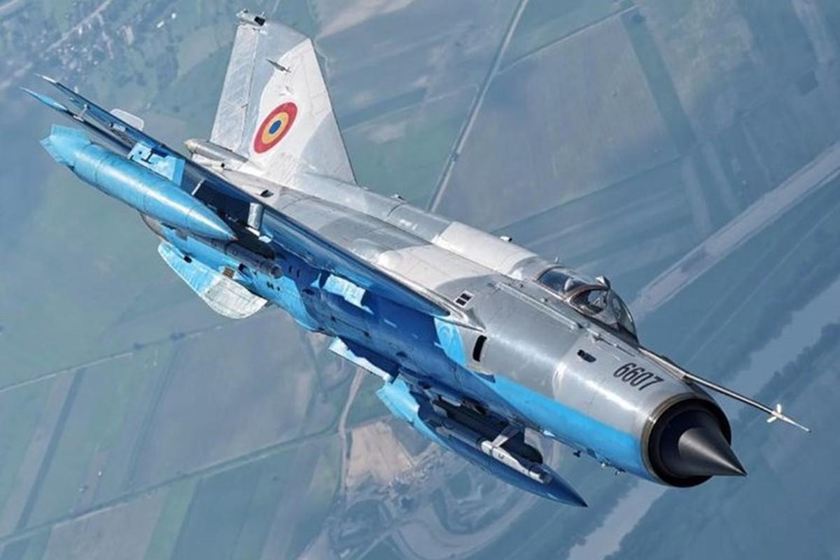 Tiem kich MiG-21 LanceR Romania vua lao len chan dau Tu-22M3 Nga-Hinh-12