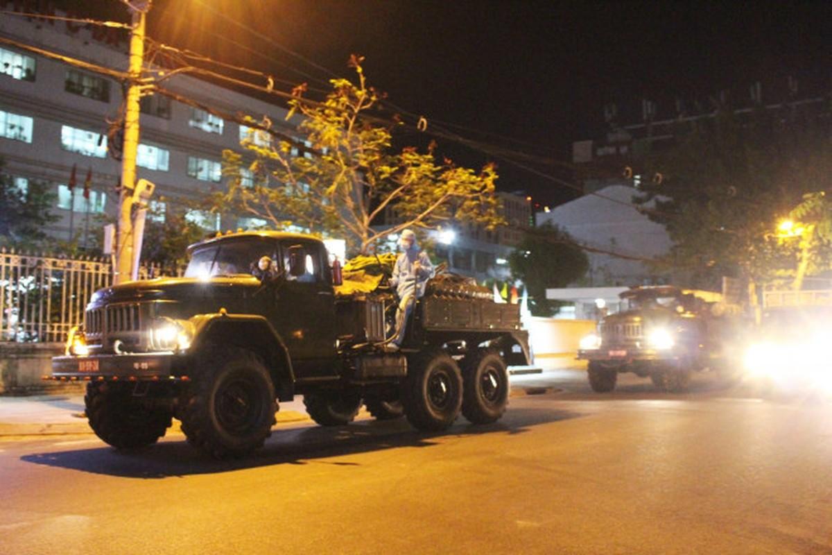 Binh chung Hoa hoc dung xe chuyen dung tieu doc benh vien tai Da Nang-Hinh-4