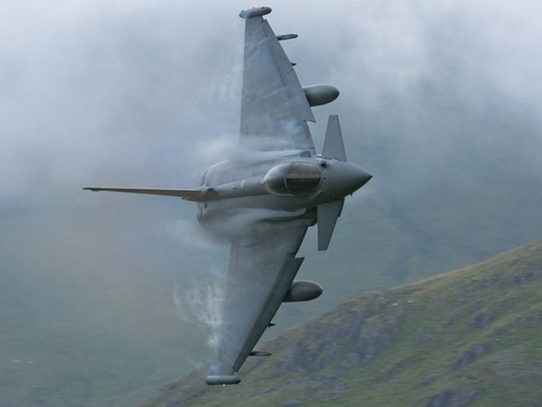 Tiem kich EF-2000 Typhoon co manh hon