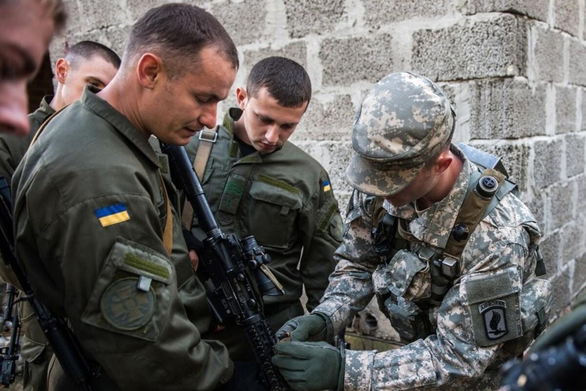 Quan doi Ukraine bat ngo nhung tay vao chien su Armenia - Azerbaijan