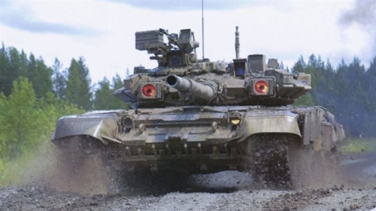 T-14 Armata chua hoan thien, Nga buoc phai bo sung xe tang T-90 nang cap?-Hinh-4