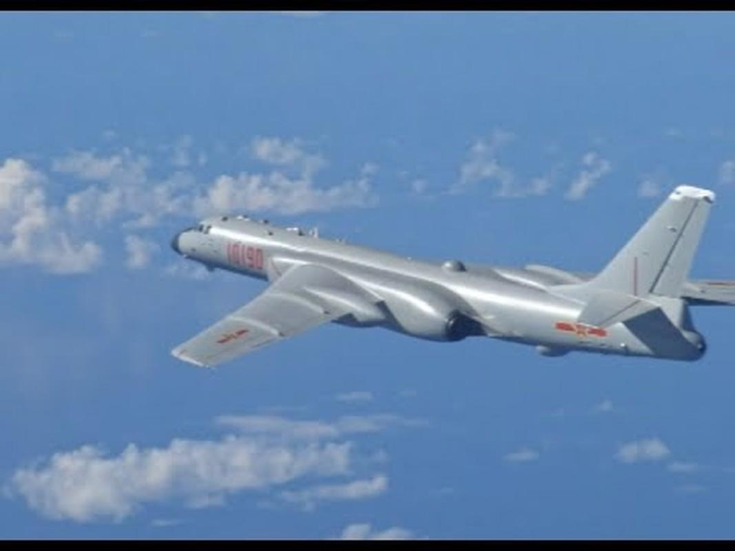 Nhan dien may bay nem bom Trung Quoc vua tap tran tren Bien Dong-Hinh-5