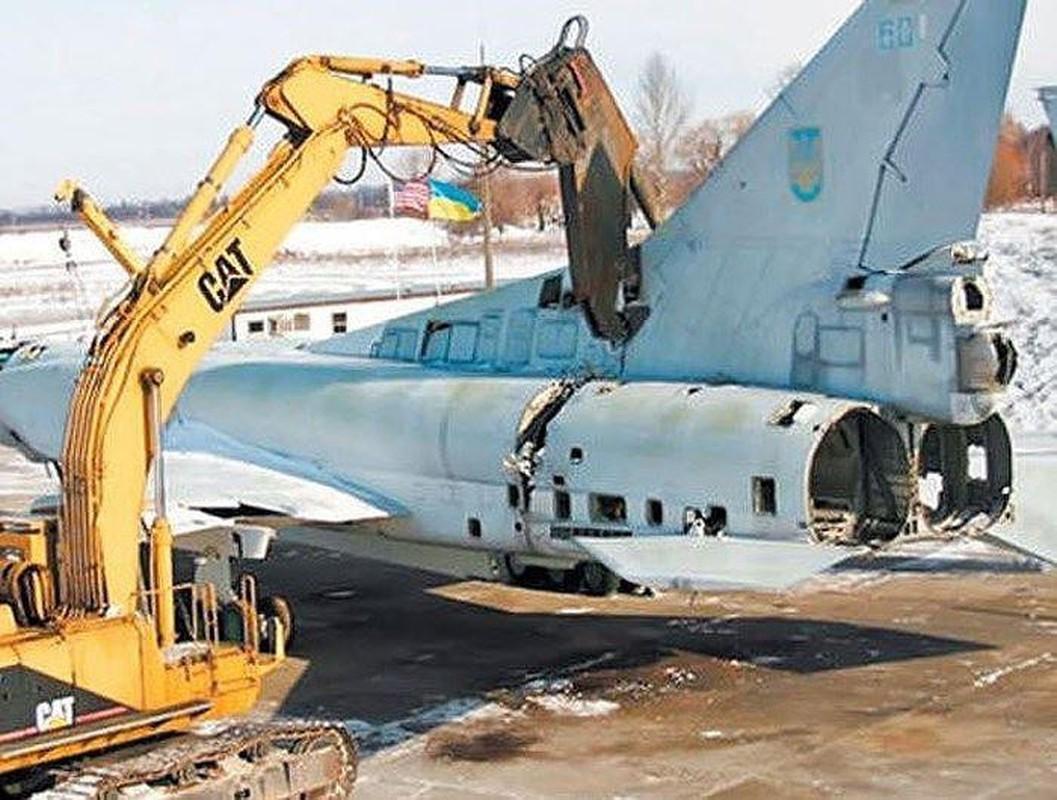 Tu huy loat may bay Tu-22 va ten lua Kh-22: Noi tiec nuoi cua Ukraine-Hinh-6