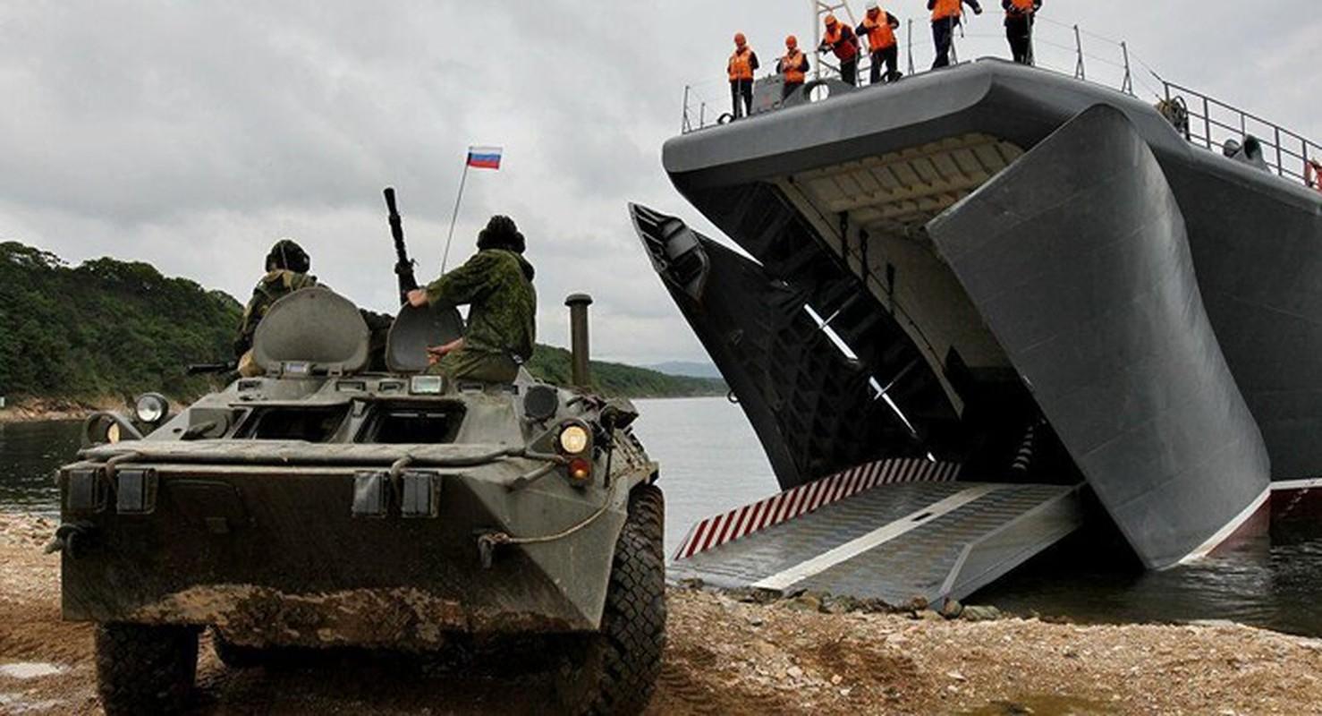 Trung Quoc dua yeu sach doi Nga ban giao Vladivostok: Nguy co xung dot quan su-Hinh-14