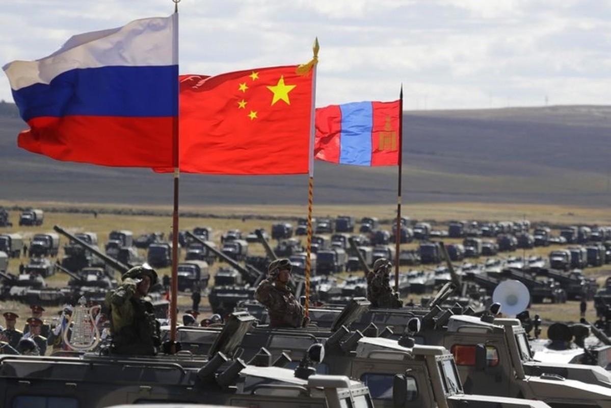 Trung Quoc dua yeu sach doi Nga ban giao Vladivostok: Nguy co xung dot quan su-Hinh-3
