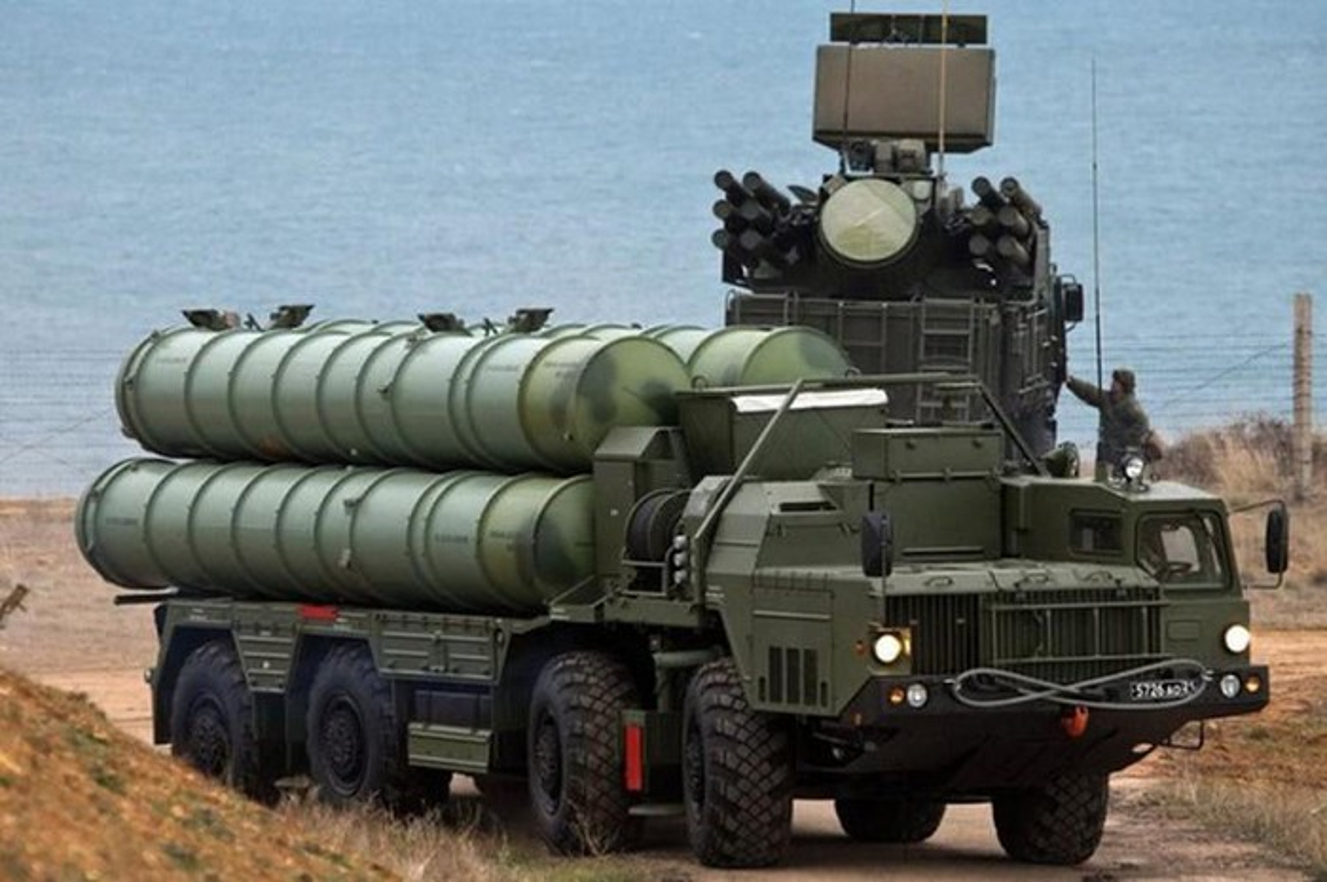 S-400 Nga phong loi, dan ten lua roi xuong dau quan nhan tai Army 2020-Hinh-11