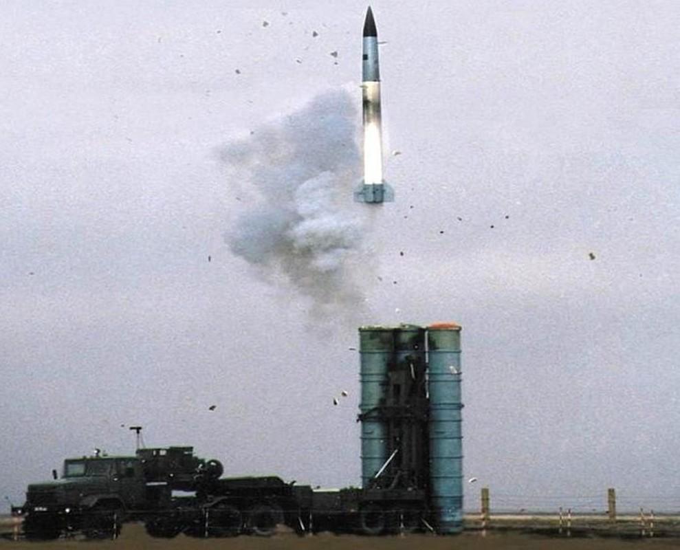S-400 Nga phong loi, dan ten lua roi xuong dau quan nhan tai Army 2020-Hinh-7