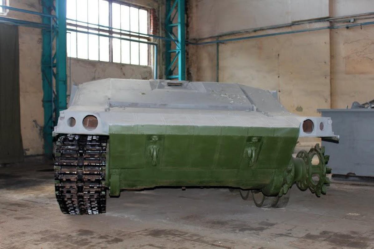 Vi sao loat thiet giap Ukraine che tu tang T-80 bi chon vui mai mai-Hinh-13