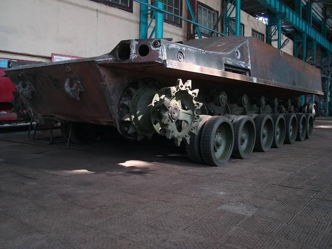 Vi sao loat thiet giap Ukraine che tu tang T-80 bi chon vui mai mai-Hinh-15