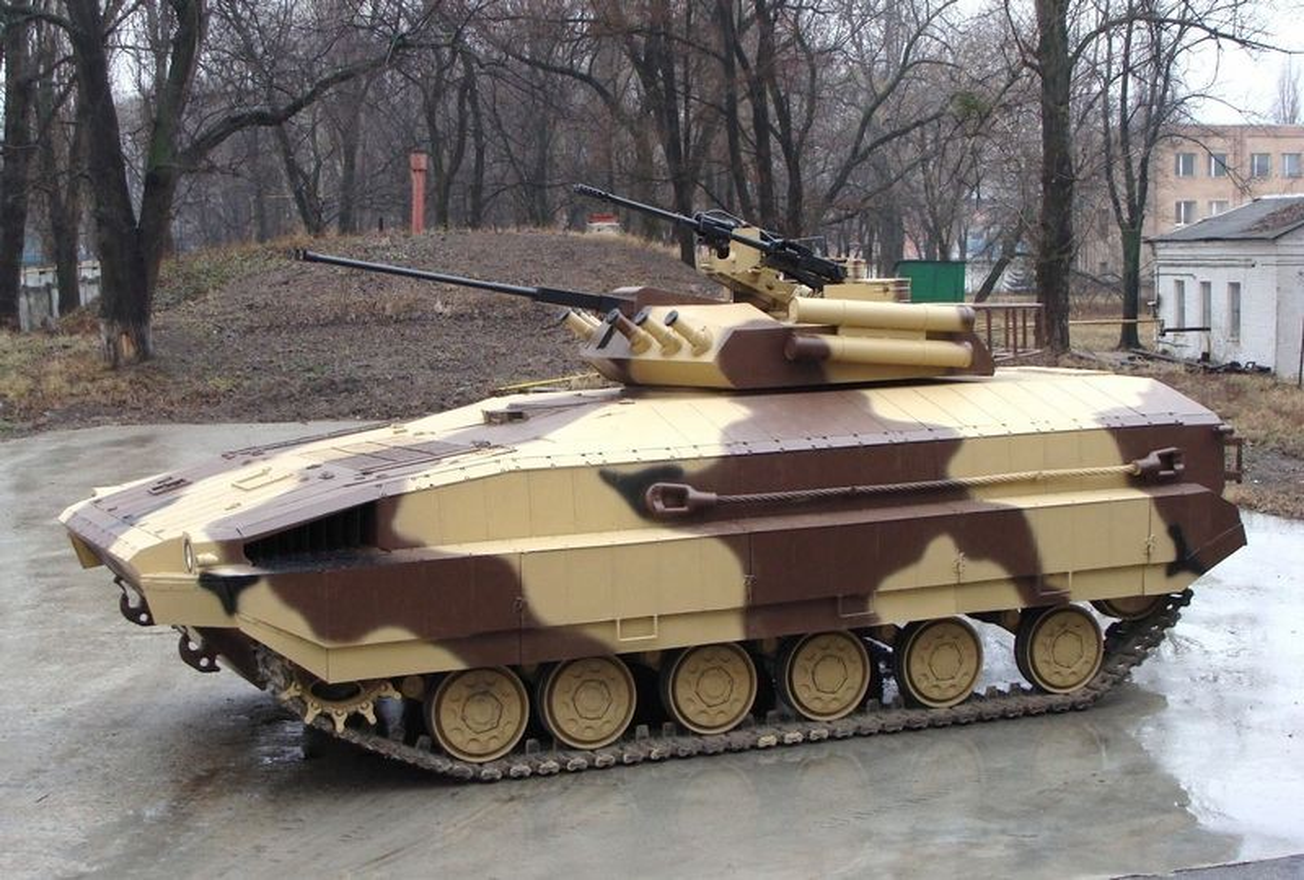 Vi sao loat thiet giap Ukraine che tu tang T-80 bi chon vui mai mai-Hinh-4