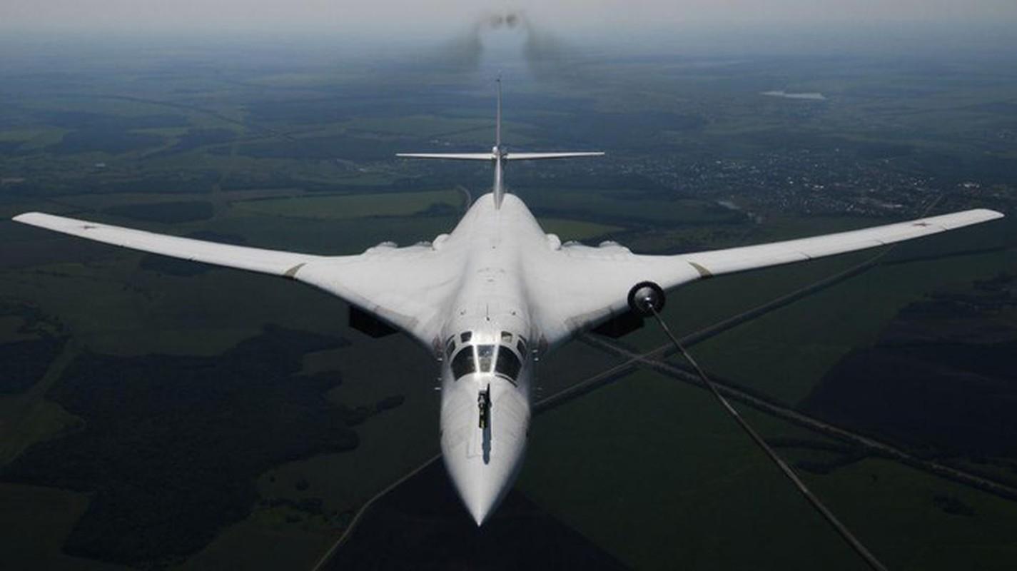 Ky luc tam bay cua Tu-160 Nga cha la gi so voi B-52 My?-Hinh-15
