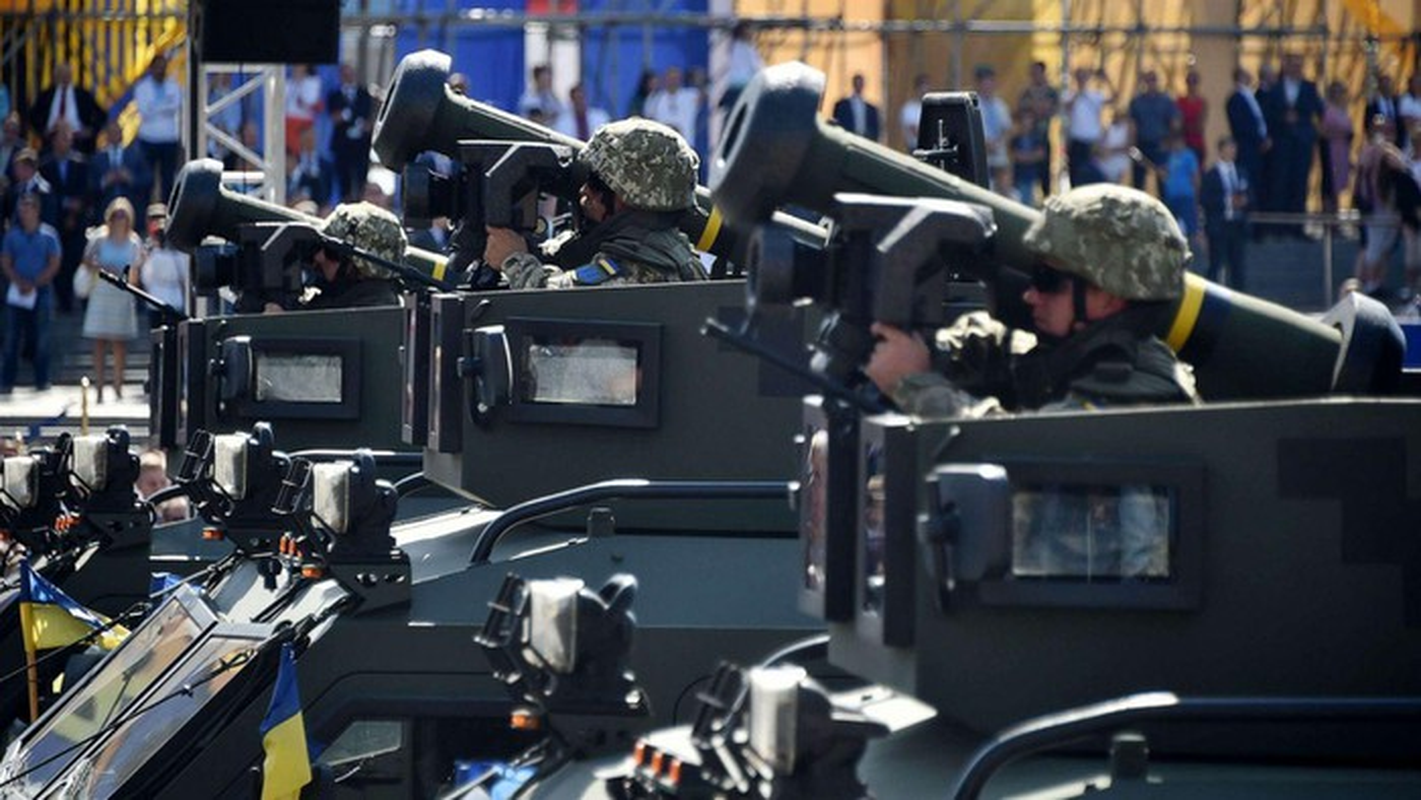 Ten lua chong tang Javelin My ban cho Ukraine phong