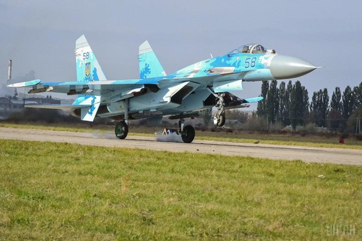 Phi cong Su-27 Ukraine tung suyt ban roi Il-20 cua Nga nhu the nao?-Hinh-7