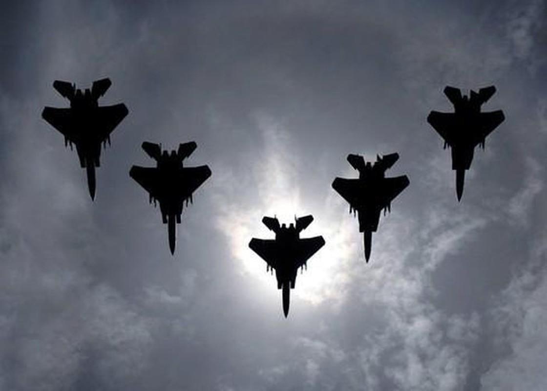 Ly giai vu F-15C xa het ten lua gia 4,5 trieu USD xuong bien-Hinh-12
