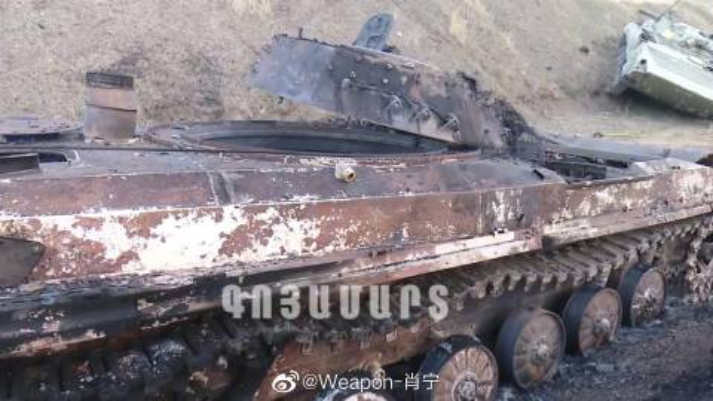 Nghi van Azerbaijan mat 30 xe tang sau 12 gio dung do voi Armenia-Hinh-7