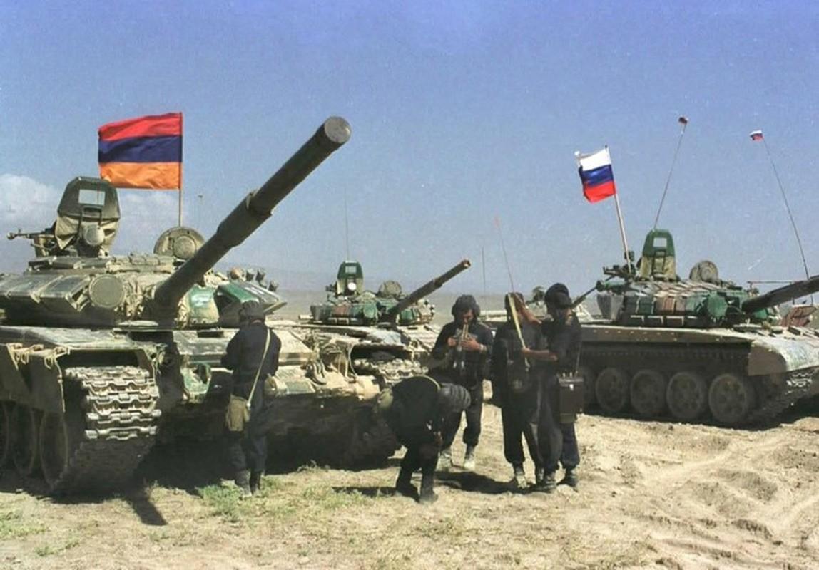 Azerbaijan va Tho Nhi Ky bao vay hang nghin quan Nga o Armenia