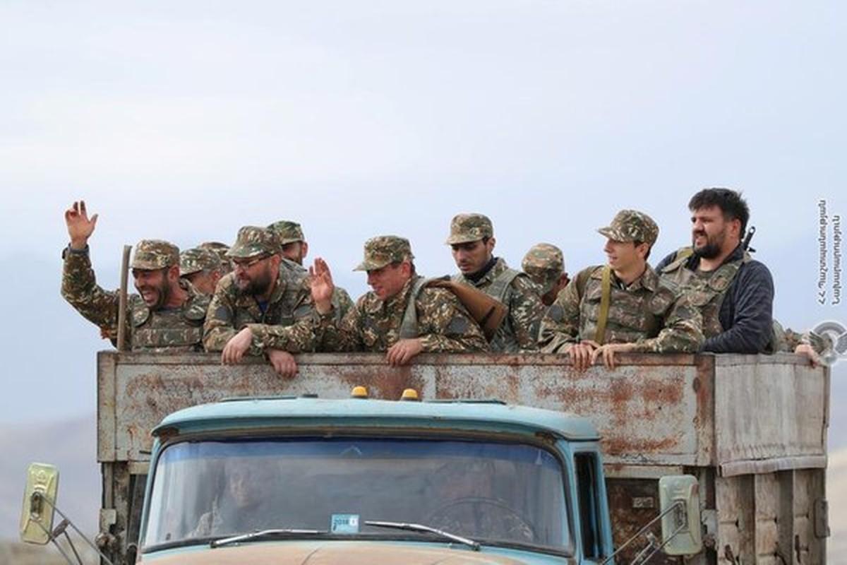 Toan canh 3 ngay dung do dam mau giua Armenia va Azerbaijan qua anh-Hinh-9
