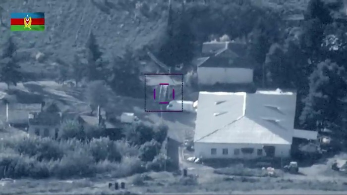 To hop phong khong Tor-M2KM Armenia lai bi UAV TB2 Azerbaijan tieu diet-Hinh-5
