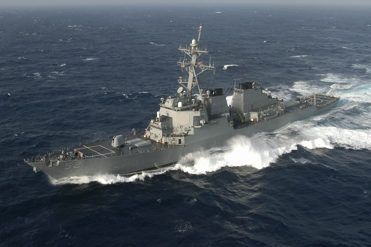 Khu truc ham USS Barry tro lai Bien Dong lam nhiem vu gi?
