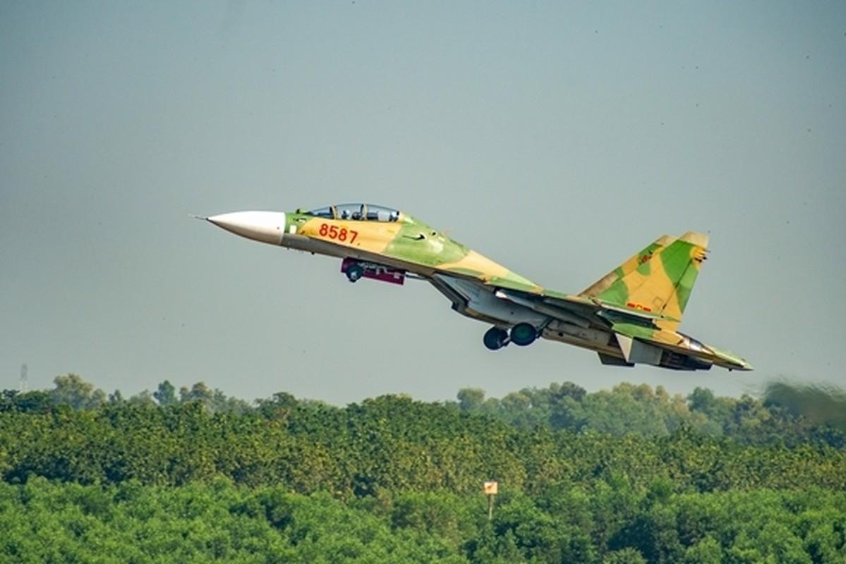 Tiem kich Su-30MK2 Viet Nam xe gio luyen don tren khong-Hinh-5