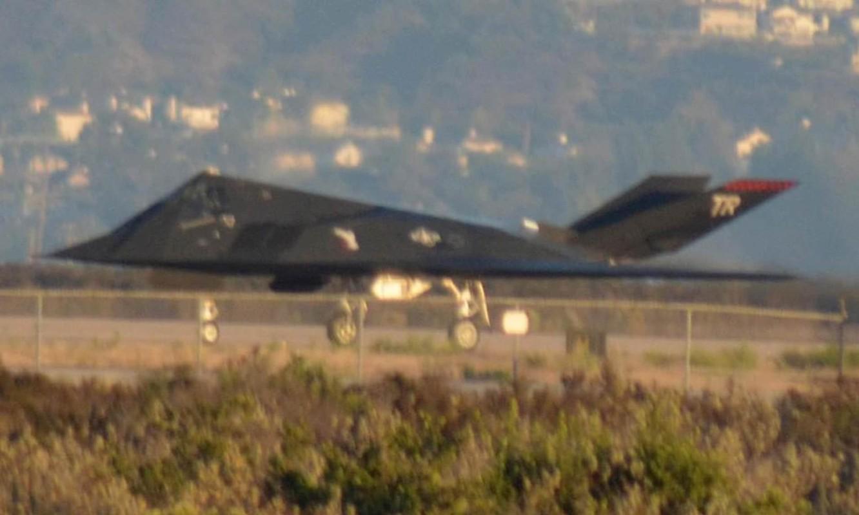 Tiet lo bi mat vu chiec F-117A thu hai bi Serbia ban trung-Hinh-16