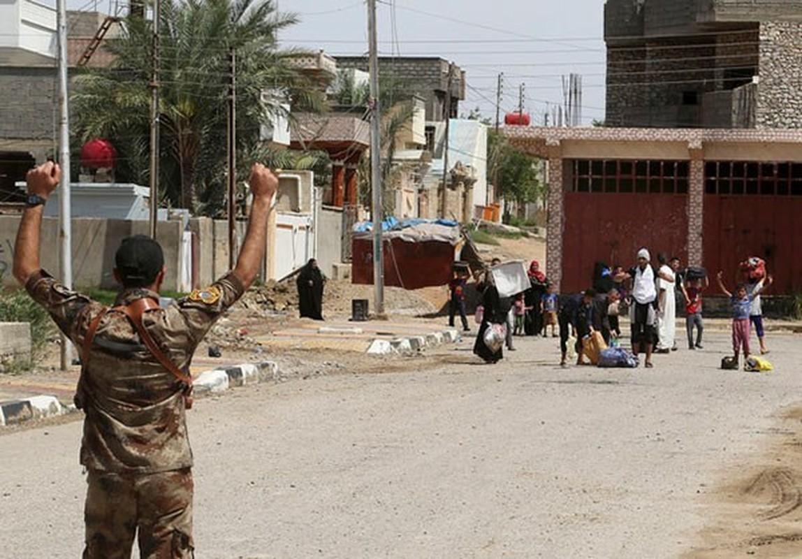 Canh nguoi dan Iraq tro ve thanh pho Heet vua giai phong-Hinh-5