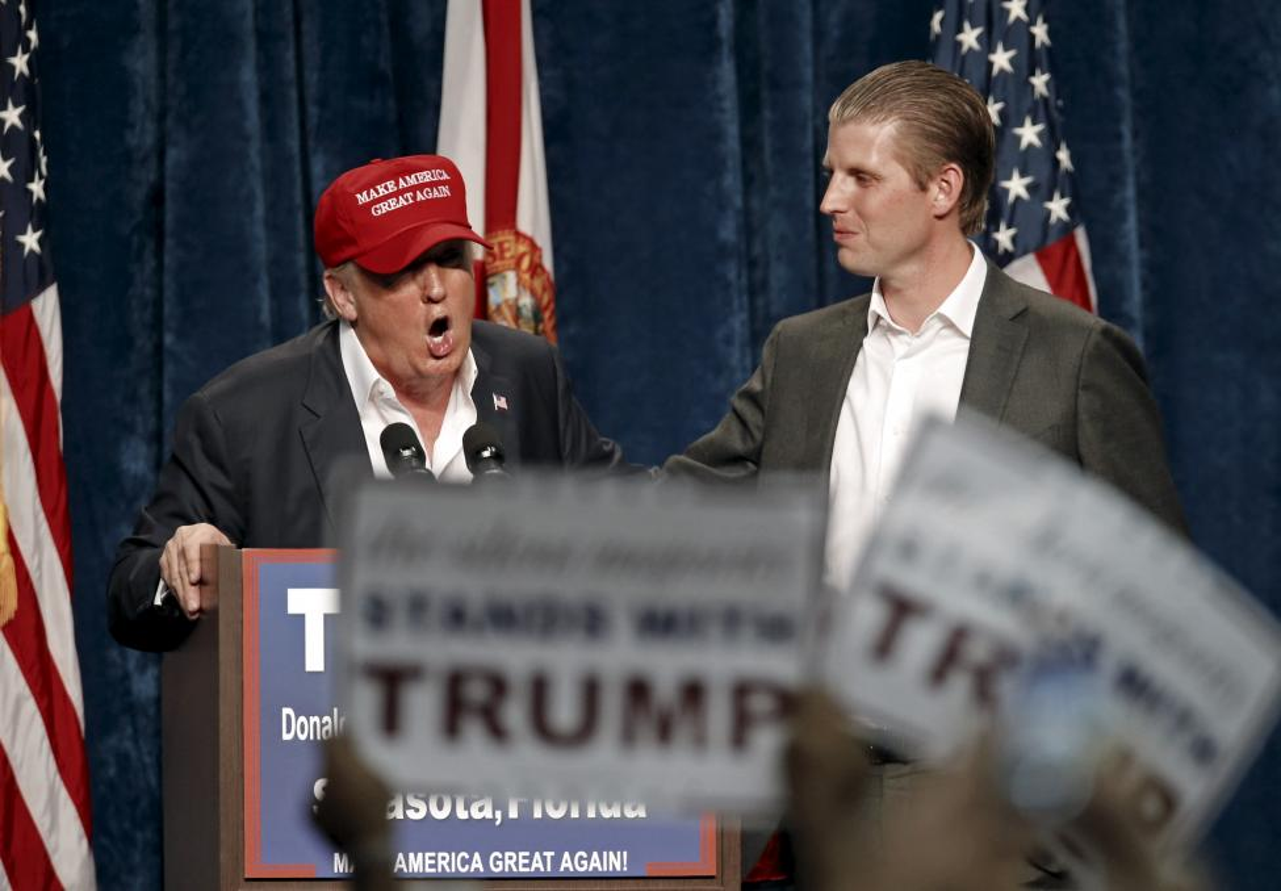 Chum anh dai gia dinh sat canh cung Donald Trump-Hinh-11