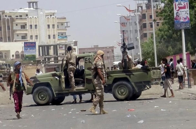 Hien truong vu danh bom kinh hoang o Yemen-Hinh-8