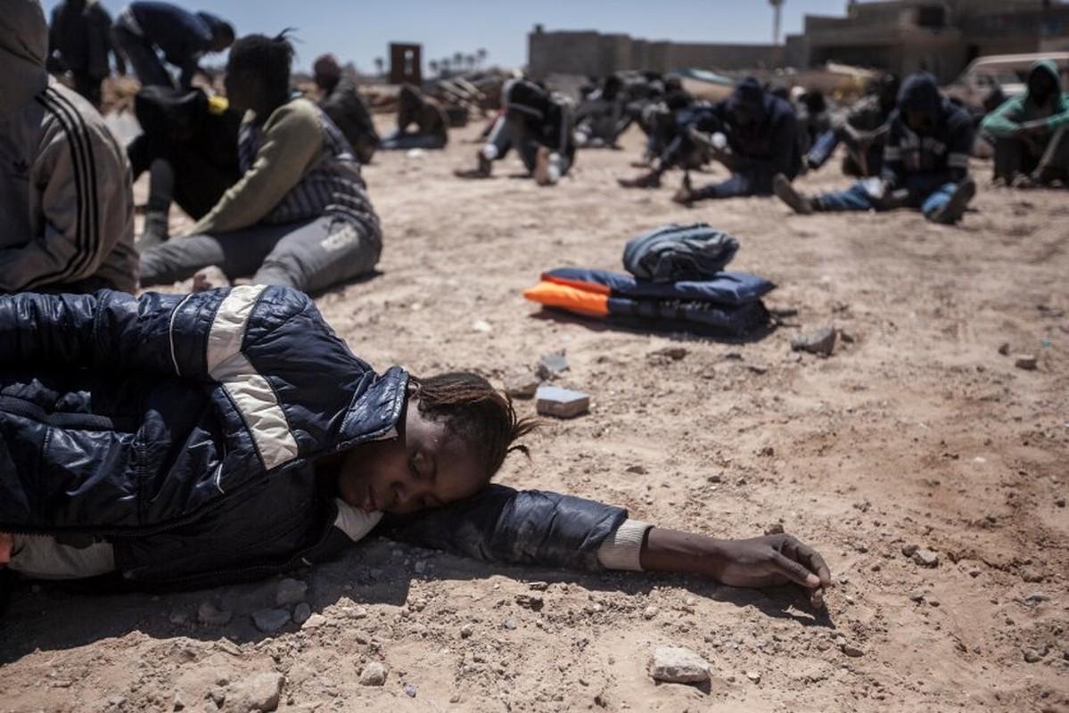 Ben trong trai giam khet tieng cua phien quan o Libya-Hinh-8