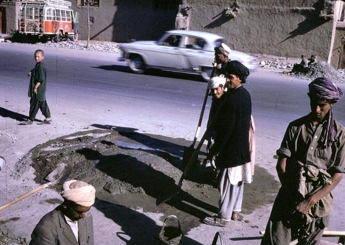 Chum anh cuoc song yen binh o Afghanistan nhung nam 1960-Hinh-11