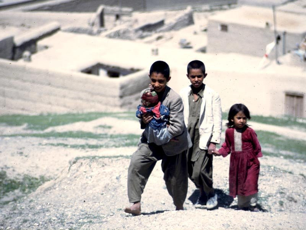 Chum anh cuoc song yen binh o Afghanistan nhung nam 1960-Hinh-13