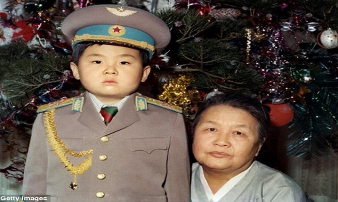 Chan dung anh trai nha lanh dao Kim Jong-un vua bi am sat-Hinh-9