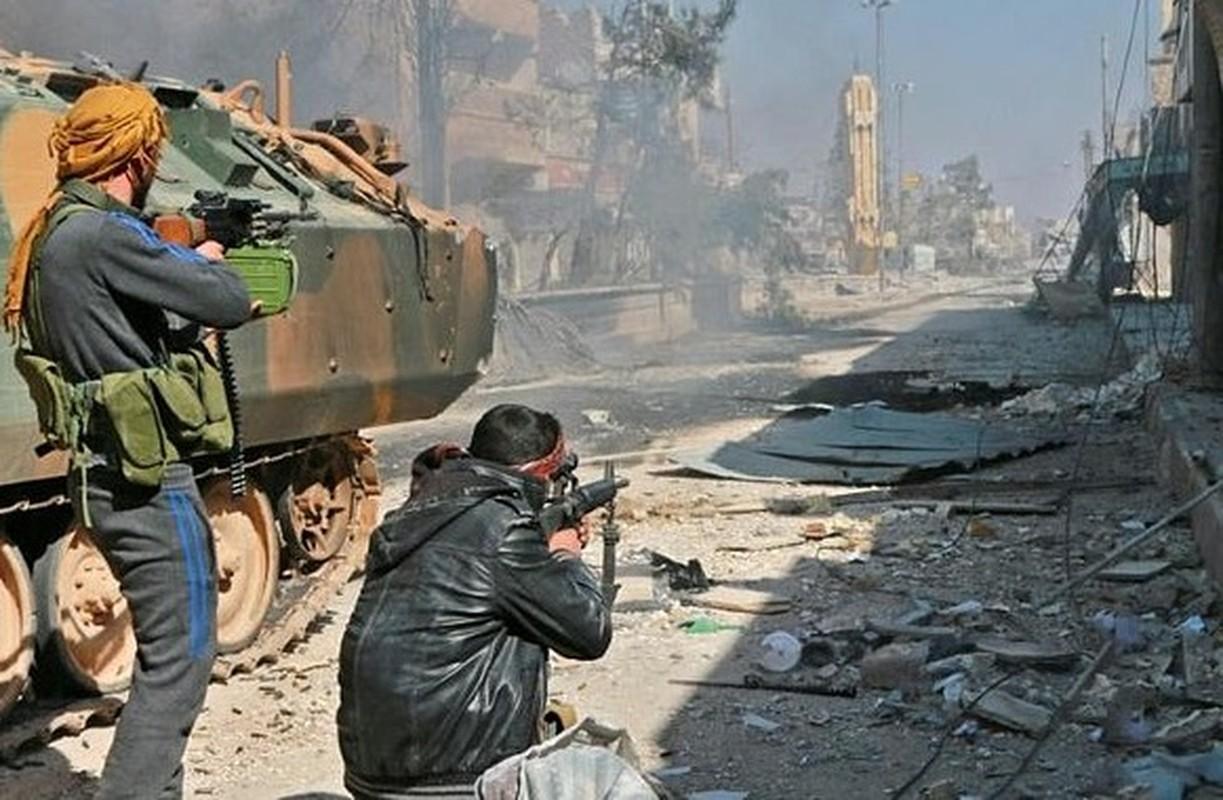 Hien truong kinh hoang vu danh bom xe lieu chet gan Al-Bab-Hinh-3