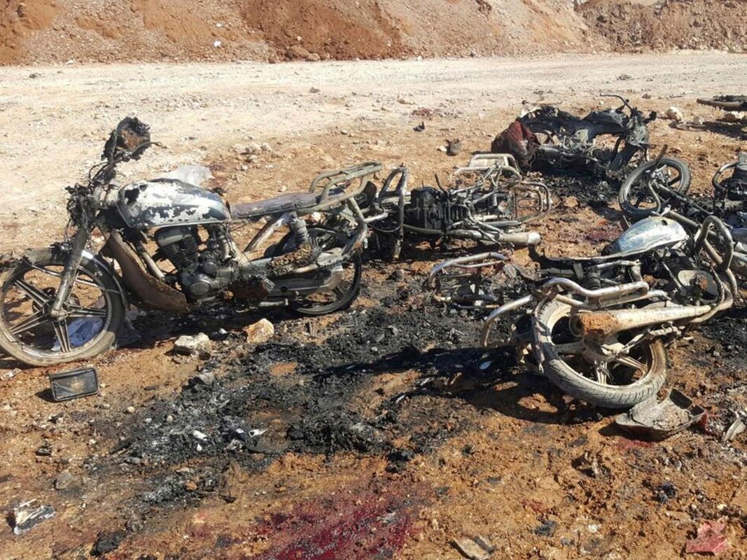 Hien truong kinh hoang vu danh bom xe lieu chet gan Al-Bab-Hinh-4