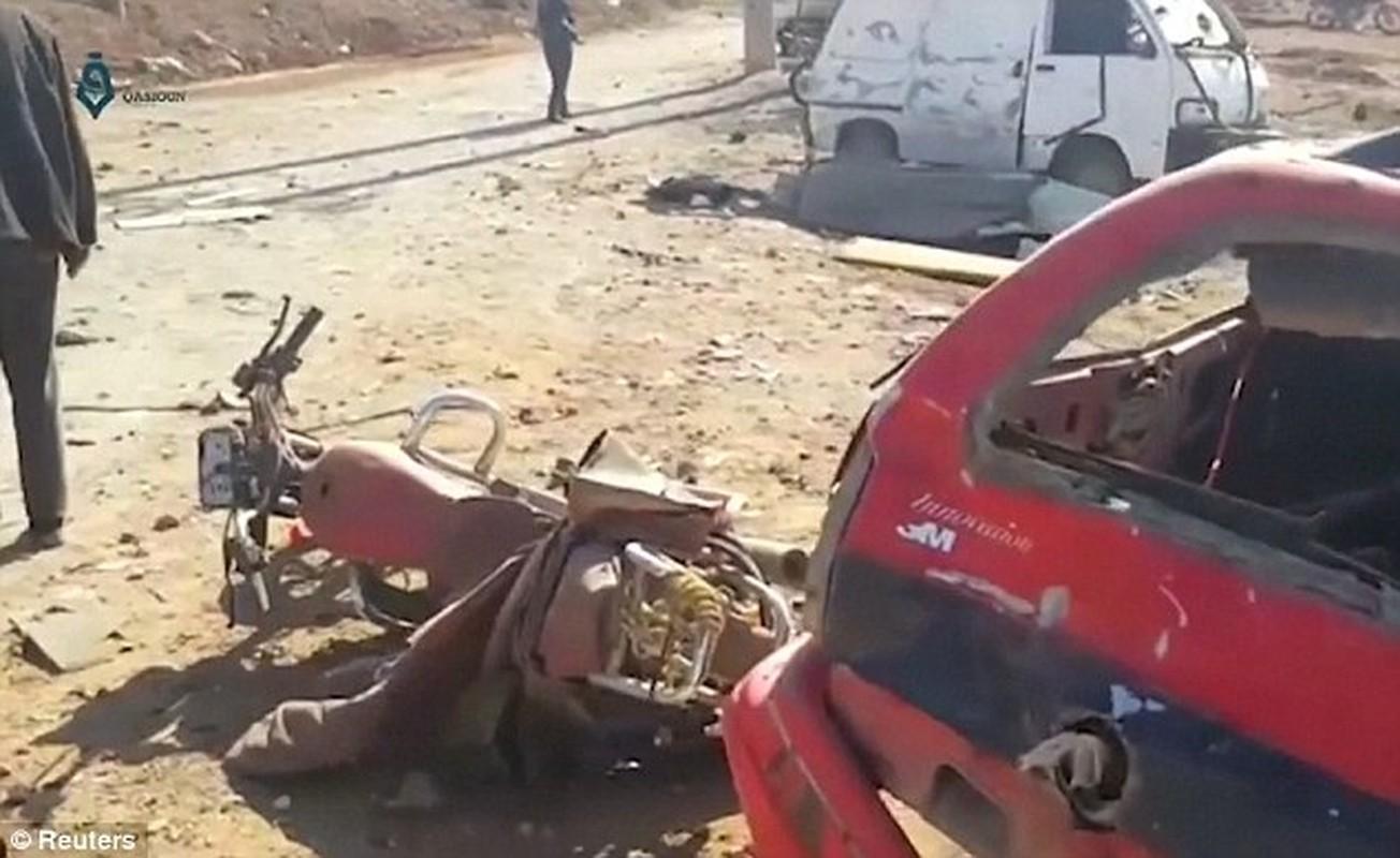 Hien truong kinh hoang vu danh bom xe lieu chet gan Al-Bab-Hinh-8