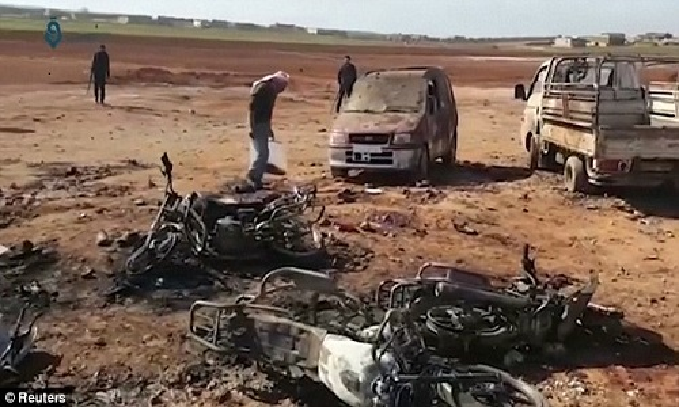 Hien truong kinh hoang vu danh bom xe lieu chet gan Al-Bab