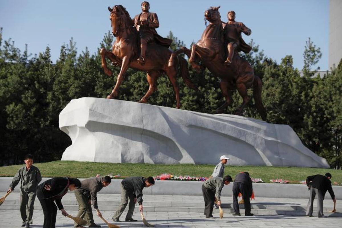 Cuoc song yen binh o Trieu Tien qua anh Reuters-Hinh-6