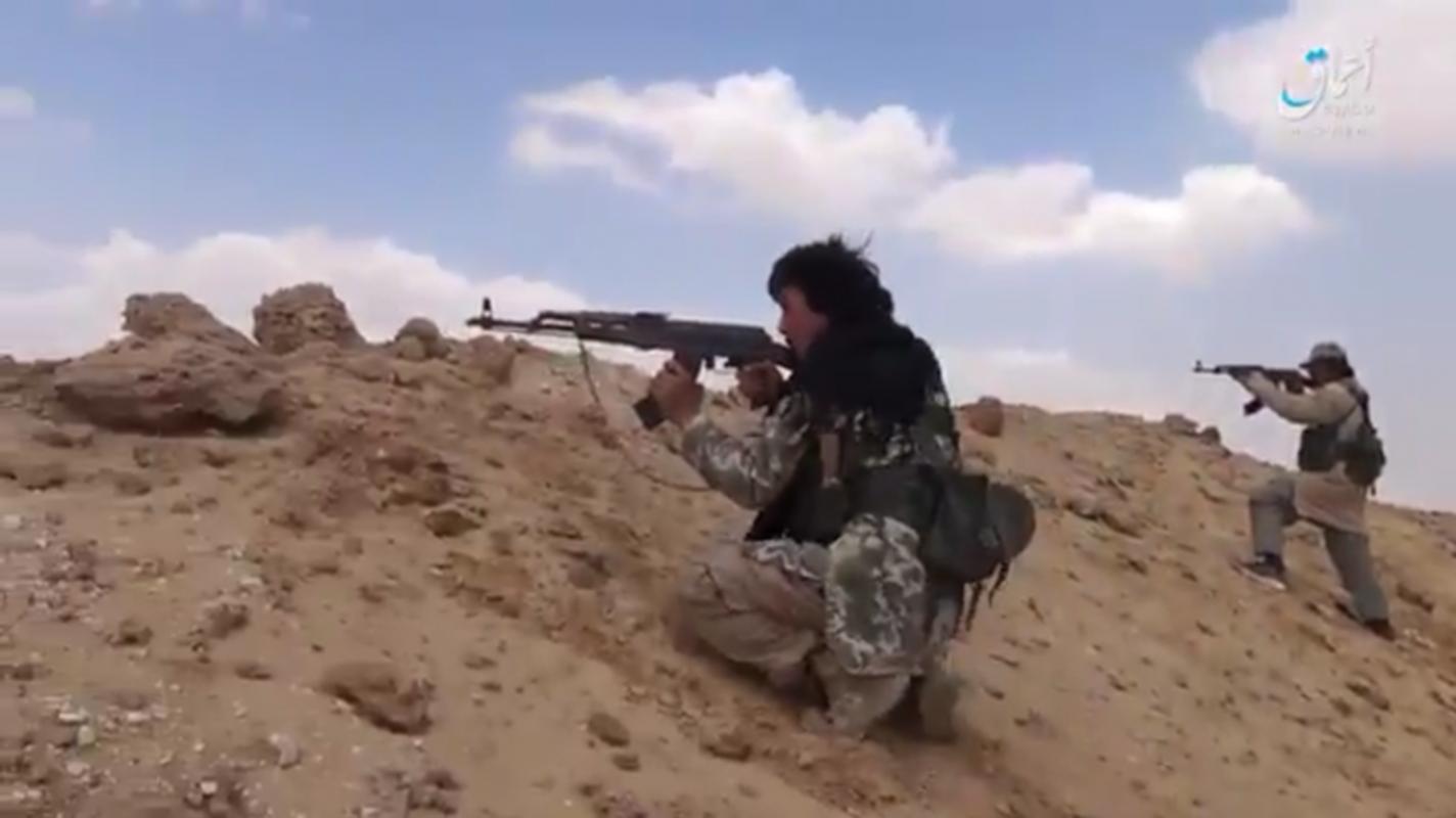 Anh: IS chiem loat xe quan su cua quan Syria o Homs-Hinh-2