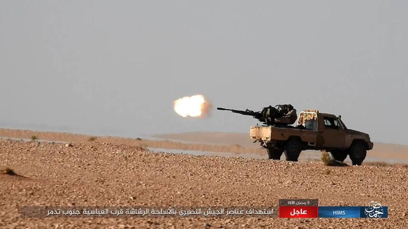 Anh: IS chiem loat xe quan su cua quan Syria o Homs-Hinh-4