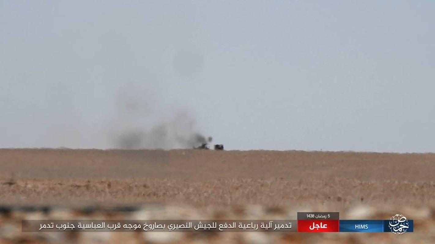 Anh: IS chiem loat xe quan su cua quan Syria o Homs-Hinh-7