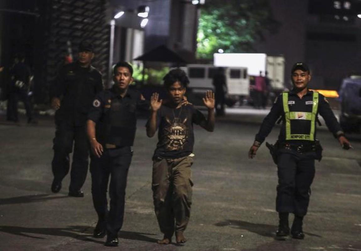 Toan canh vu tan cong khu nghi duong o Manila, Philippines-Hinh-13