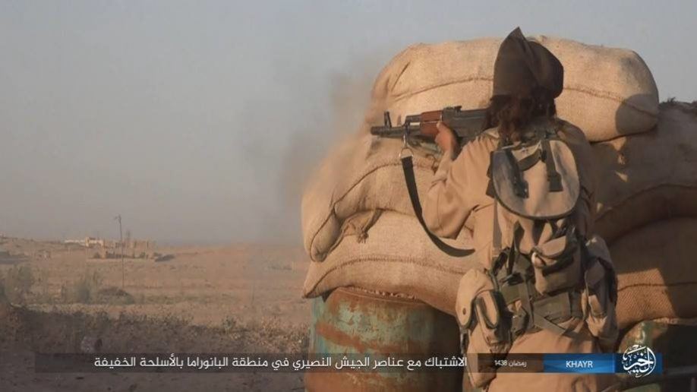 Anh: Phien quan IS doc toan luc danh chiem Deir ez-Zor-Hinh-10