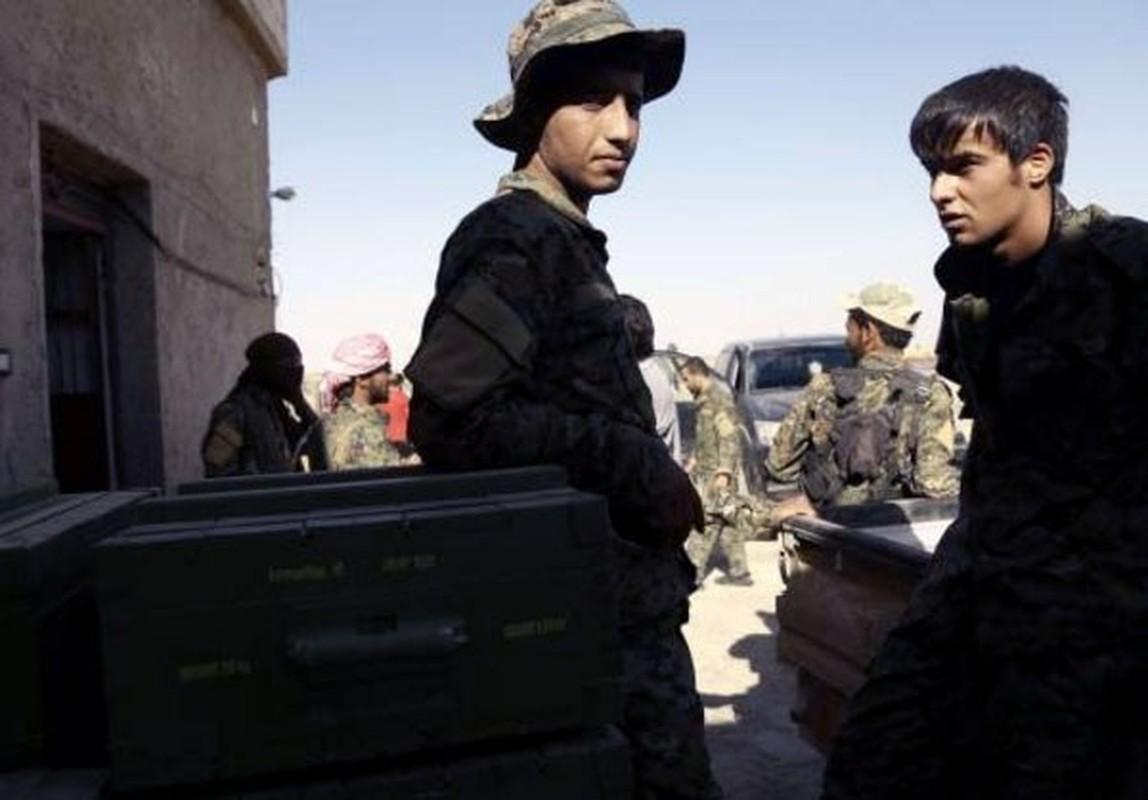"Anh: My ""tuon"" vu khi cho nguoi Kurd tai Raqqa-Hinh-10"